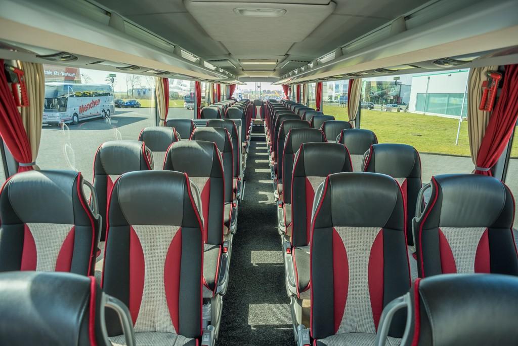 reisebus-02-innen