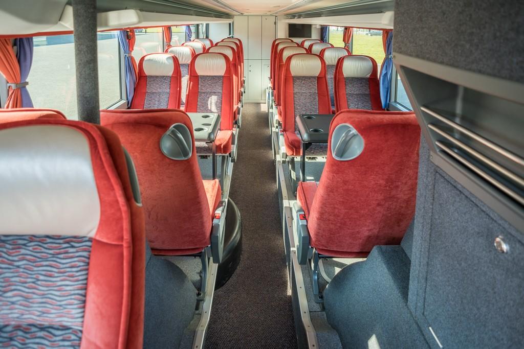 reisebus-04-innen-01