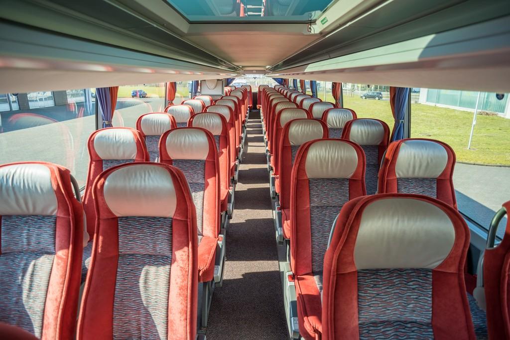 reisebus-04-innen-02