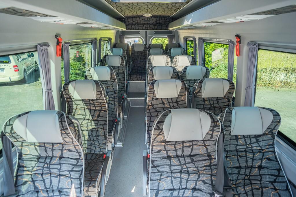 reisebus-05-innen